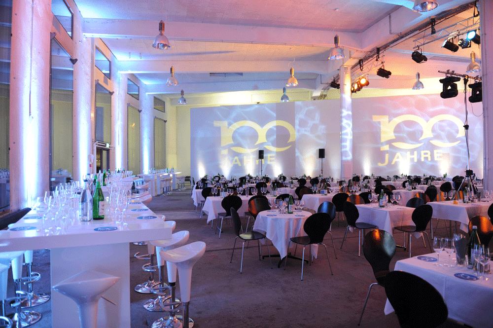 Kreis Wasser 100 Jahr Jubilaeum Stimmungsbild Saal